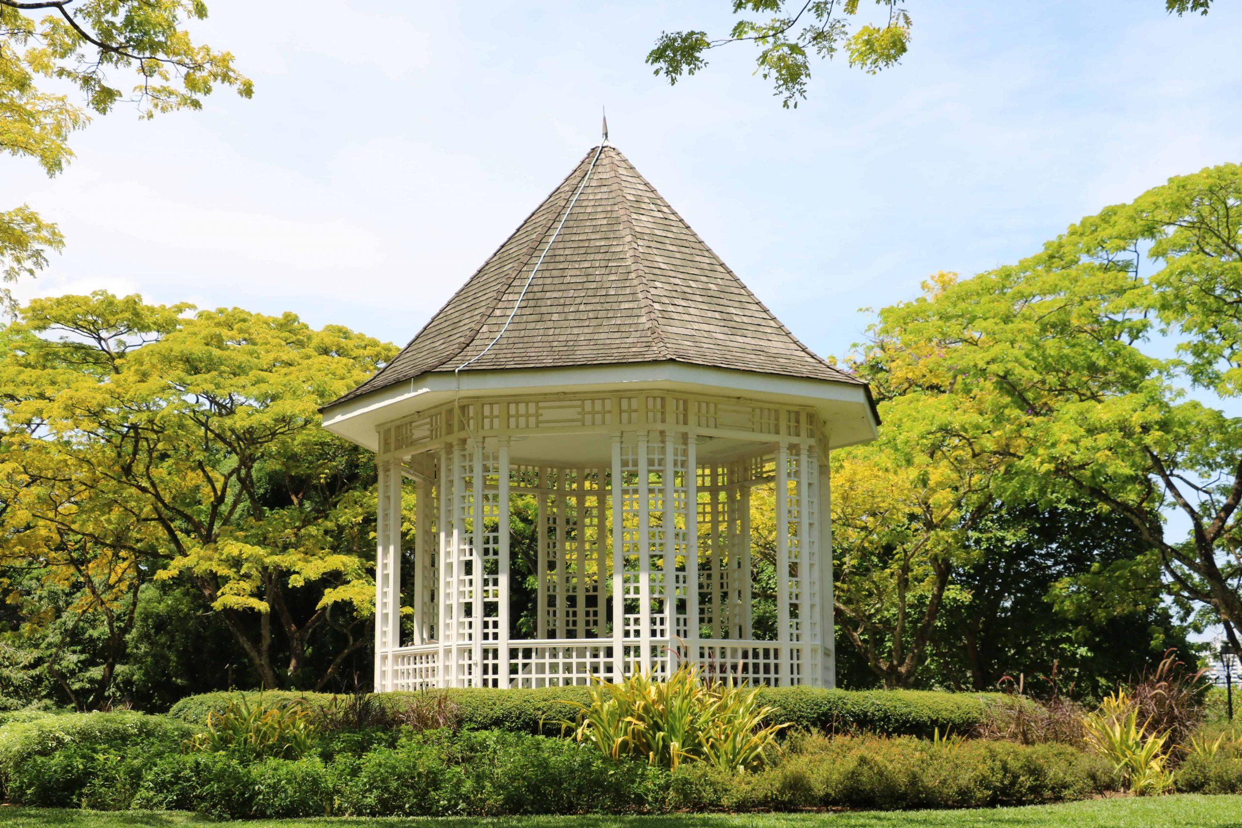 Gartenpavillon: Test & Empfehlungen (08/20)