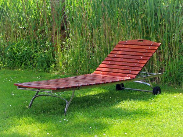 Gartenliege zum Entspannen – pixabay.com / Antranias