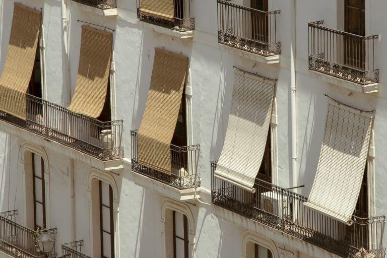 Sonnenschutz auf Balkonen