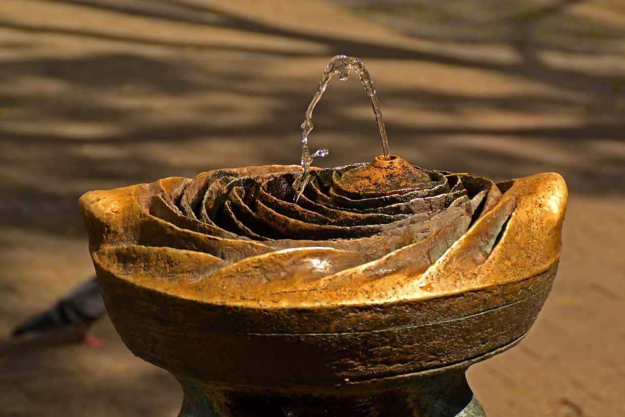 Gartenbrunnen: Test & Empfehlungen (08/20)